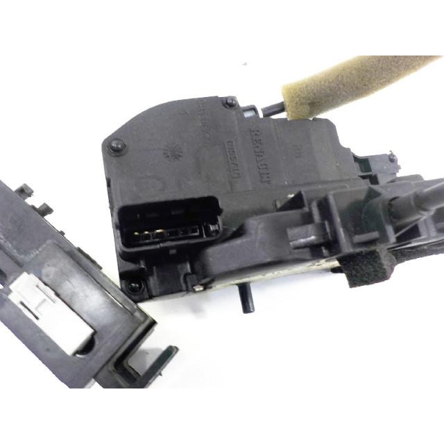 Verrouillage central électrique de porte à mécanisme de verrouillage arrière droit Renault Koleos I (2008 - 2011) Koleos SUV 2.0 dCi 16V (M9R-832)