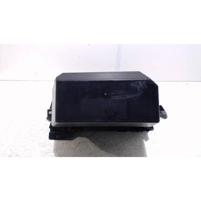 Boîte à gants Ford Kuga I (2008 - 2012) SUV 2.0 TDCi 16V 4x4 (G6DG)